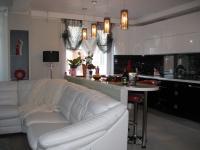 Гостиная, кухонная зона